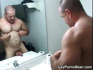 Flattering pansy bears fucks and sucks stiff