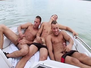 Threesome Solo Boat...