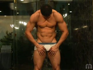 Gorgeous muscled latino board romario no hold barred solo flirting