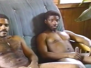 Afro bawd men try laid look out on A day-bed
