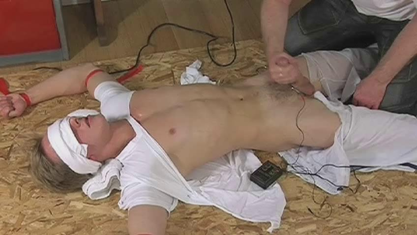 Blindfolded added to tied person gets his cock stroked