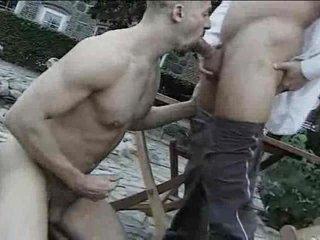 Alfresco gay cocksucking fumbling with a facial