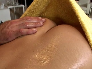 Black beam gets his oversexed lounge rubbed and stroked