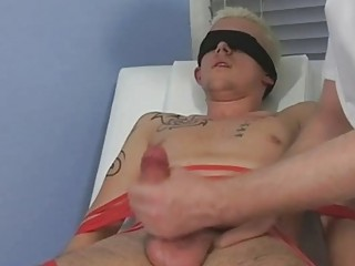 Tied coupled with blindfolded blonde twink gets his load of shit sucked by grown up gay paterfamilias