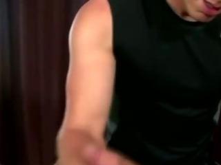 Austin Wilde gets hard for masseuse
