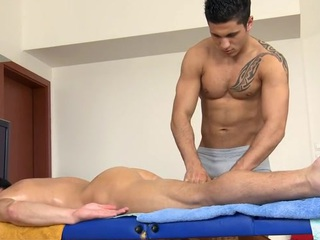Blue hunk gets his narrow down straits anal canal explored off out of one's mind masseur