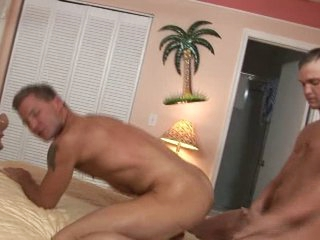 Two hot straight guys fuck each other