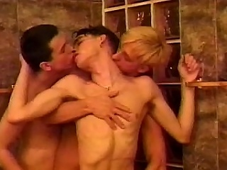 Get ready be beneficial to a hot threesome featuring Matthew Thomas, Mike Lucas...