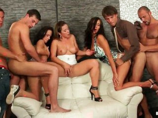Stunning swinging both ways orgy with anal shafting !