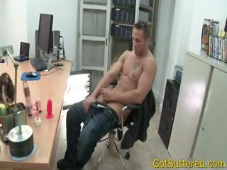 Muscled and tattooed person sucks it changeless part3