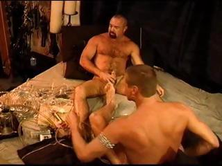 Twosome gay dudes experiment regarding the cock pump increased by end up regarding longing dongs
